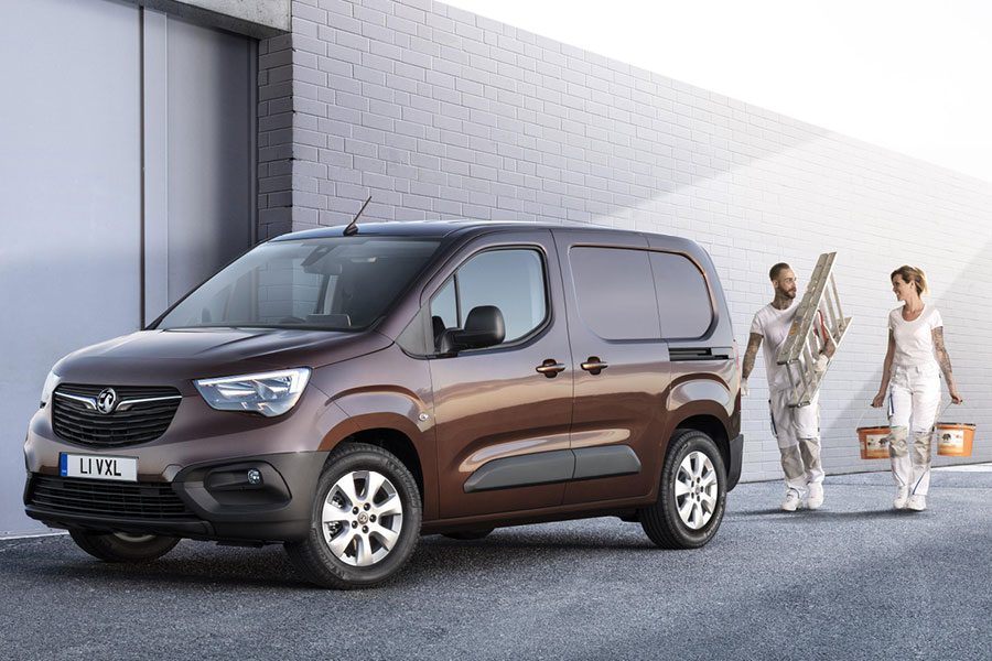 VAUXHALL ADDS ULTIMATE TRIM LEVELS TO GRANDLAND X AND ASTRA HATCH