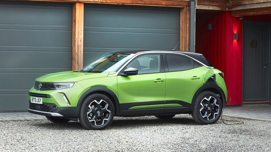 VAUXHALL INSIGNIA NAMED 'UPPER MEDIUM CAR OF THE YEAR' AT COMPANY CAR TODAY CCT100 AWARDS