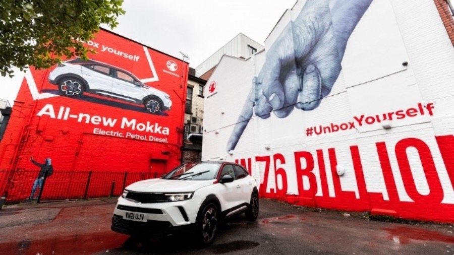 New Vauxhall Insignia revealed with class-leading efficiency and technology