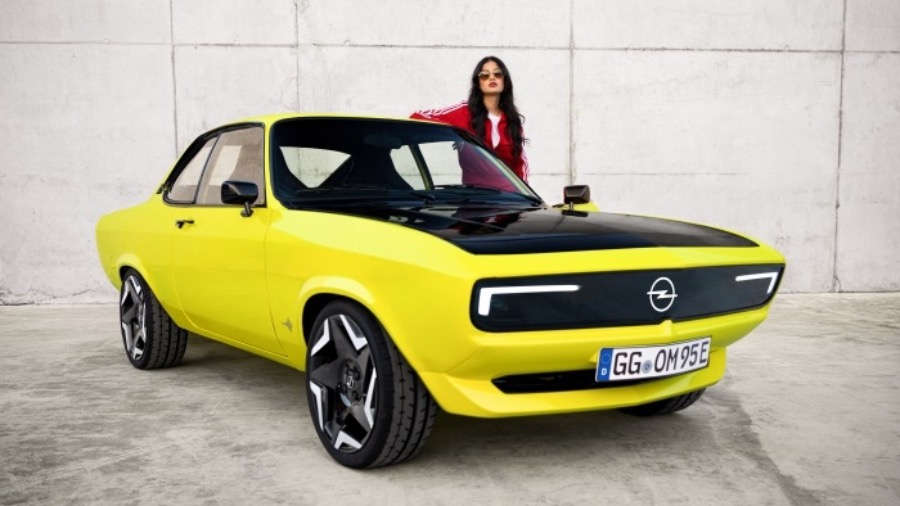 VAUXHALL COMBO IS UK'S BEST SELLING SMALL VAN
